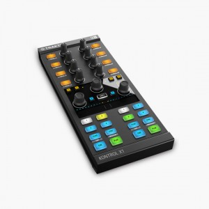 Native-Instruments-TRAKTOR-KONTROL-X1-MK2